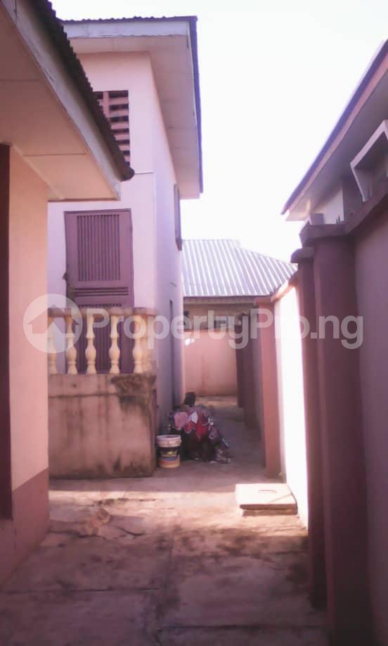 10 bedroom Blocks of Flats House for sale Aafin iyanu, Ologueru Eleyele Road Ibadan Ido Oyo - 1