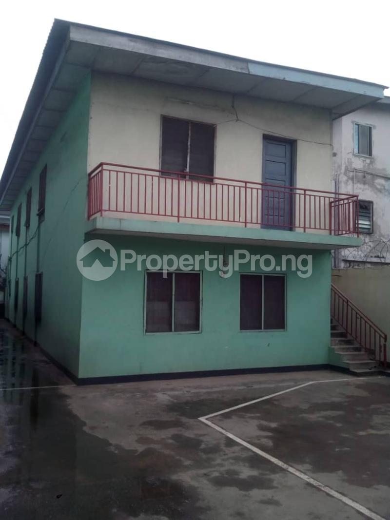 1 bedroom Blocks of Flats for sale Ilojo Cresent Obanikoro Shomolu Lagos - 2