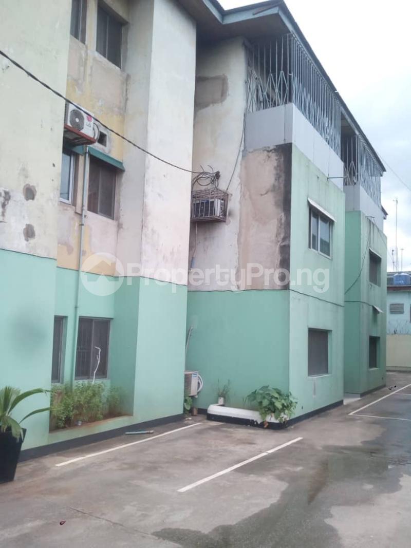 1 bedroom Blocks of Flats for sale Ilojo Cresent Obanikoro Shomolu Lagos - 3