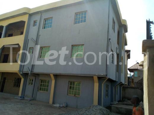 4 bedroom Flat / Apartment for sale Abakiliki Town, Enugu. Enugu North Enugu - 6