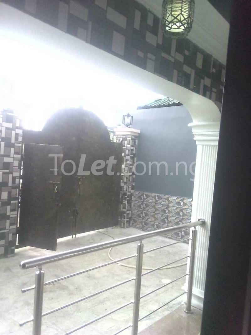 2 bedroom Flat / Apartment for rent ishaga road Itire Surulere Lagos - 5
