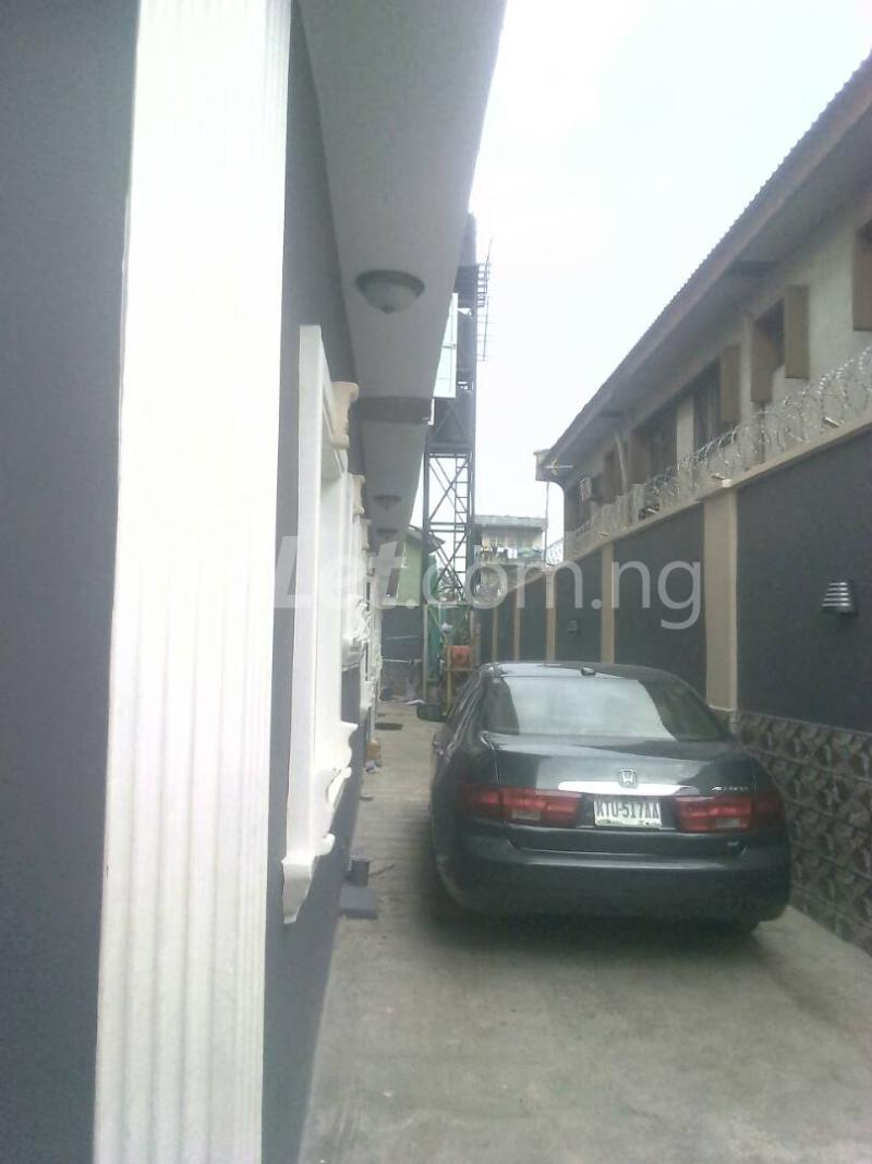 2 bedroom Flat / Apartment for rent ishaga road Itire Surulere Lagos - 7