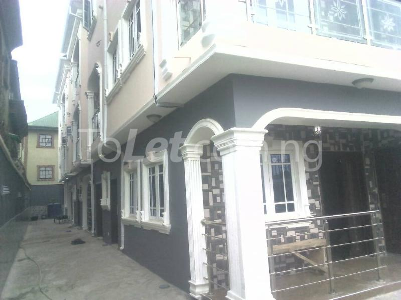 2 bedroom Flat / Apartment for rent ishaga road Itire Surulere Lagos - 0