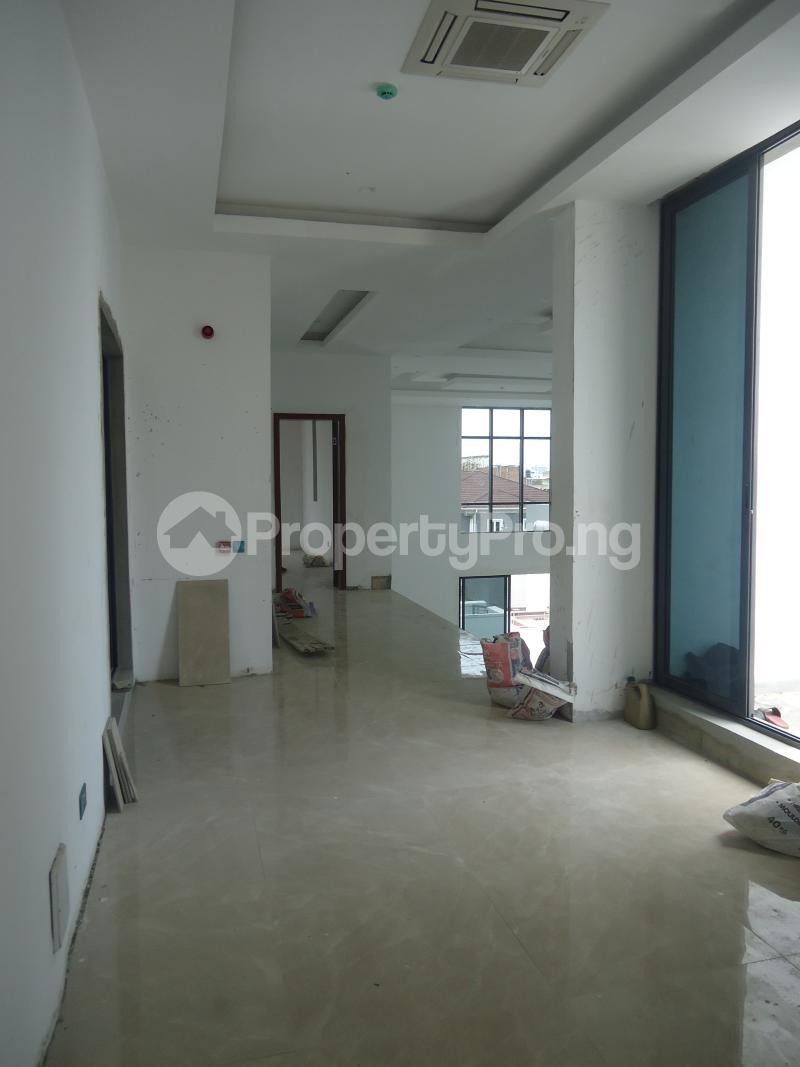 2 bedroom Massionette House for sale . Banana Island Ikoyi Lagos - 15