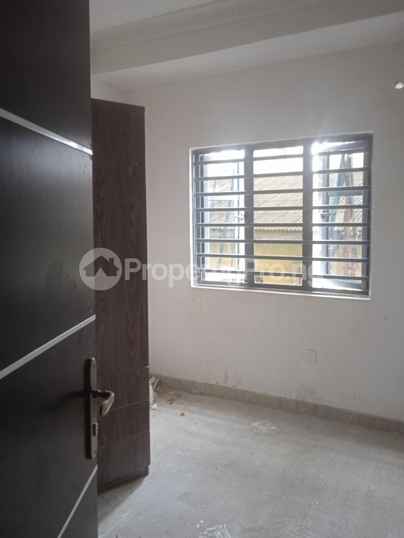 2 bedroom Flat / Apartment for rent Agbonyin Adelabu Surulere Lagos - 6