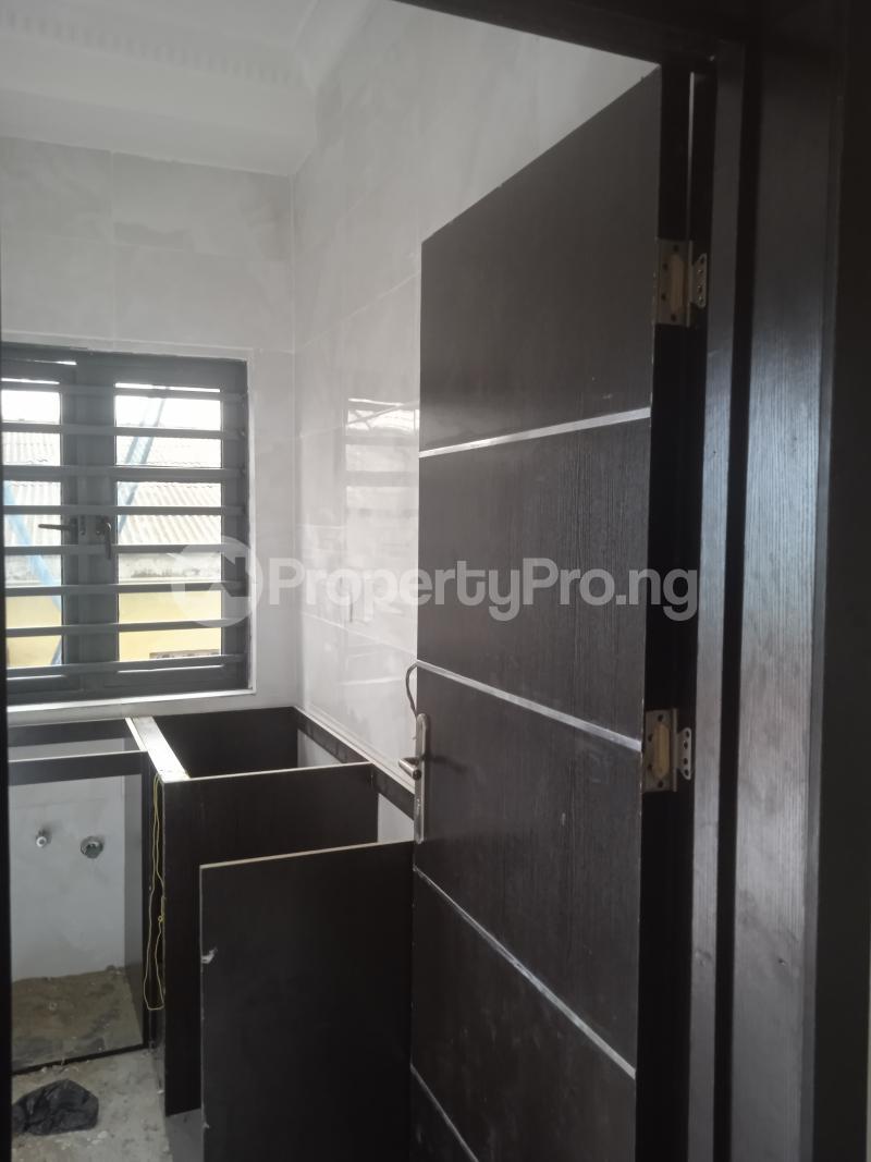 2 bedroom Flat / Apartment for rent Agbonyin Adelabu Surulere Lagos - 2