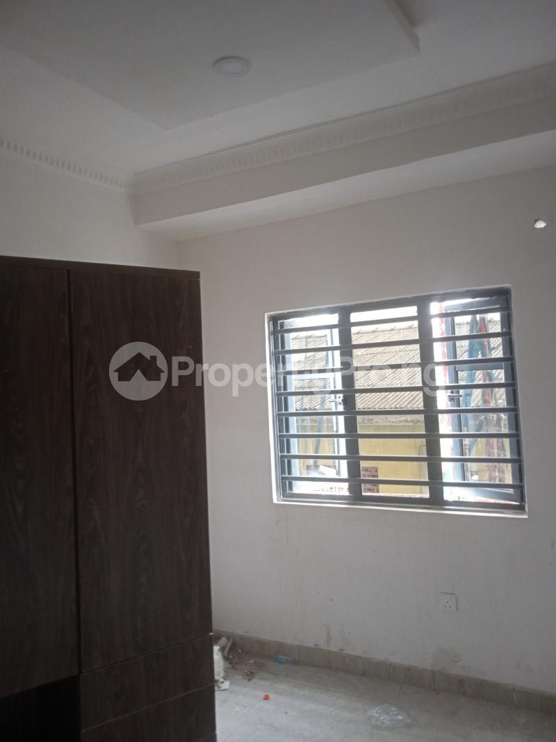 2 bedroom Flat / Apartment for rent Agbonyin Adelabu Surulere Lagos - 5