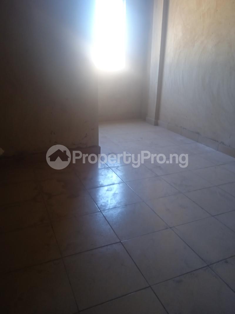 2 bedroom Flat / Apartment for rent Ishaga Itire Surulere Lagos - 3