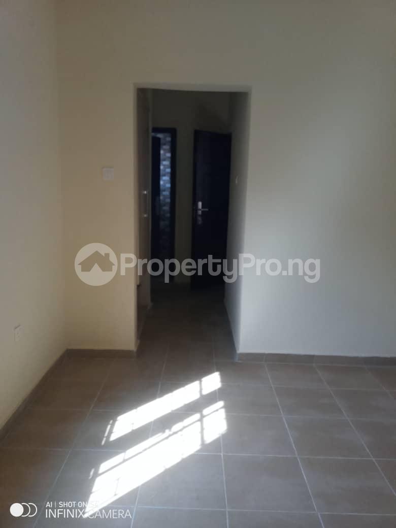 2 bedroom Flat / Apartment for rent Behind tob plaza Magodo GRA Phase 1 Ojodu Lagos - 4