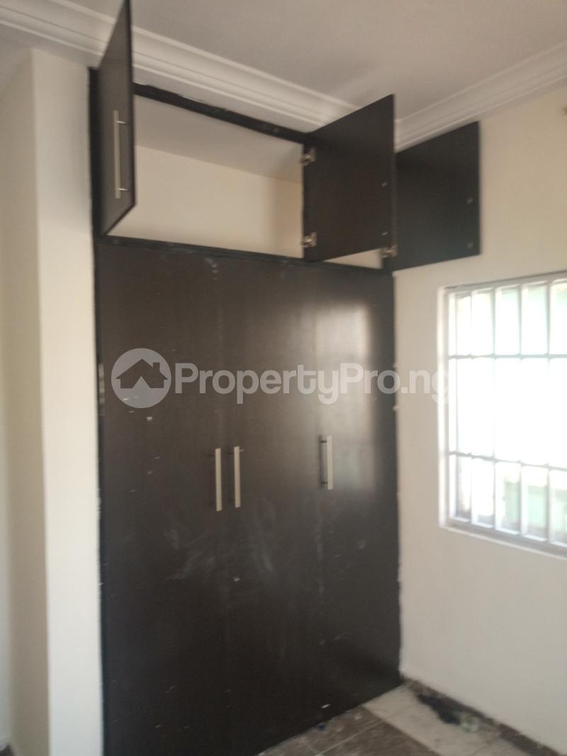 3 bedroom Flat / Apartment for rent DOWN  OLUFEMI BY OGUNLAUNA DRIVE , SURULERE Ogunlana Surulere Lagos - 17
