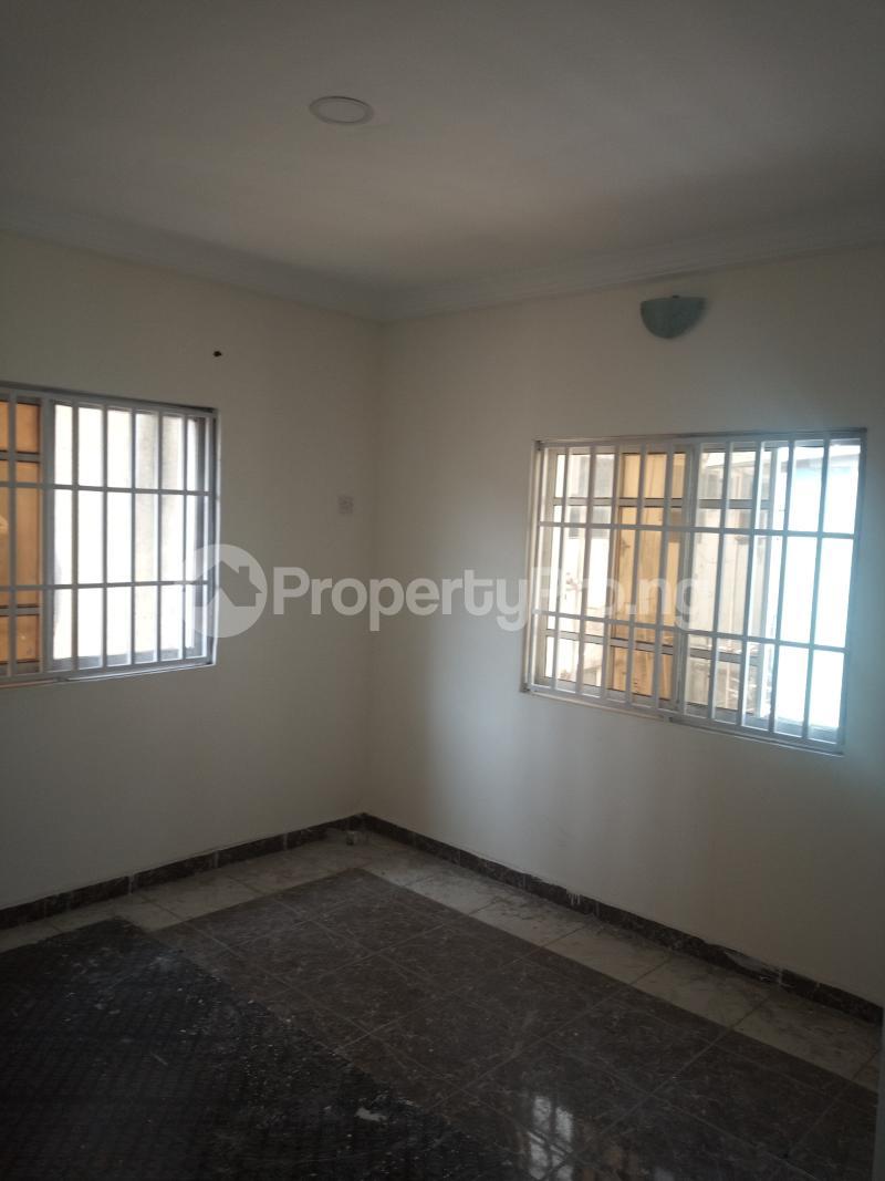 3 bedroom Flat / Apartment for rent DOWN  OLUFEMI BY OGUNLAUNA DRIVE , SURULERE Ogunlana Surulere Lagos - 21