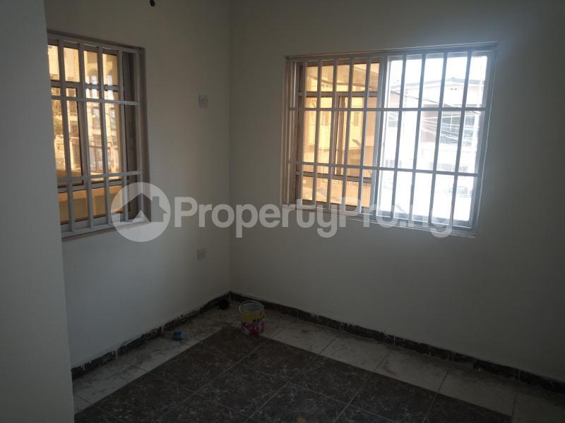 3 bedroom Flat / Apartment for rent DOWN  OLUFEMI BY OGUNLAUNA DRIVE , SURULERE Ogunlana Surulere Lagos - 16