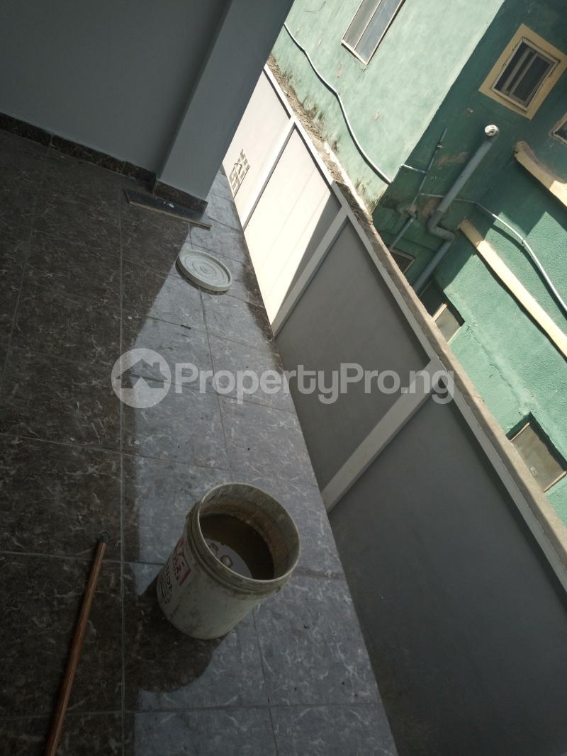 3 bedroom Flat / Apartment for rent DOWN  OLUFEMI BY OGUNLAUNA DRIVE , SURULERE Ogunlana Surulere Lagos - 20