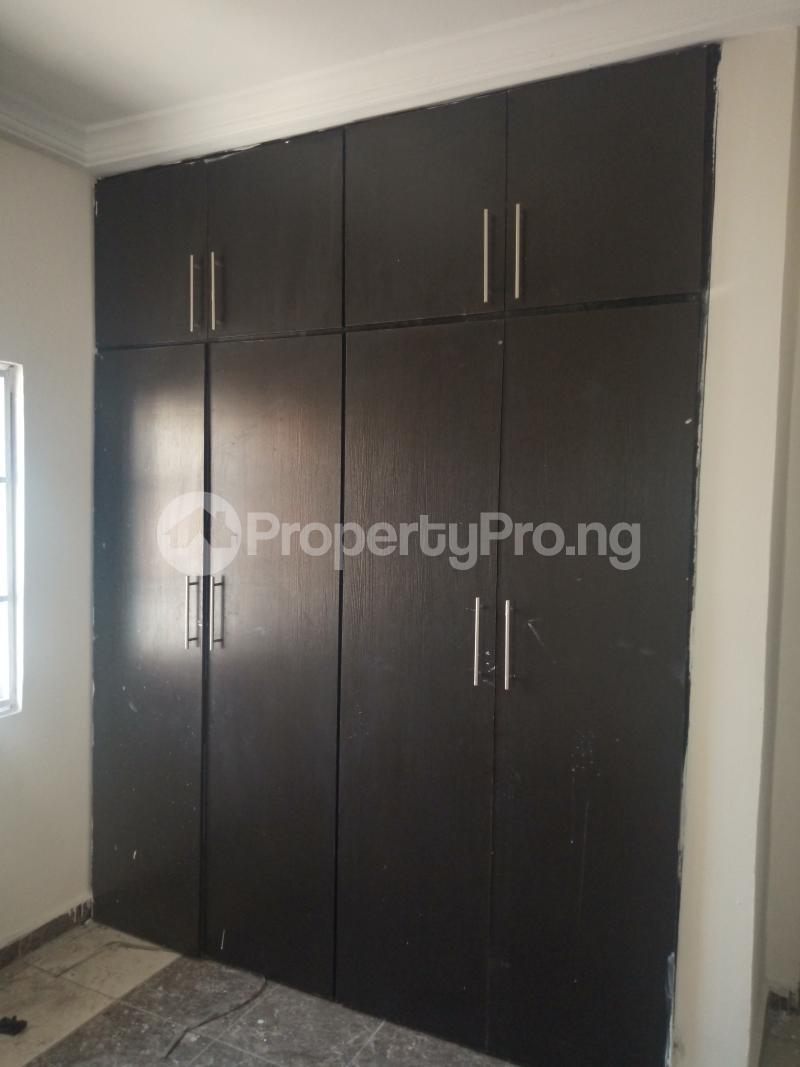 3 bedroom Flat / Apartment for rent DOWN  OLUFEMI BY OGUNLAUNA DRIVE , SURULERE Ogunlana Surulere Lagos - 13