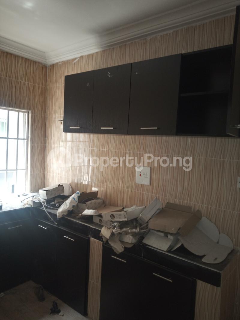 3 bedroom Flat / Apartment for rent DOWN  OLUFEMI BY OGUNLAUNA DRIVE , SURULERE Ogunlana Surulere Lagos - 6