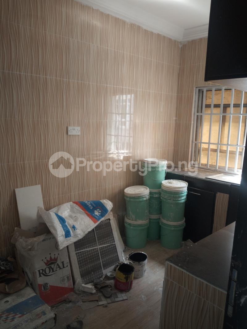 3 bedroom Flat / Apartment for rent DOWN  OLUFEMI BY OGUNLAUNA DRIVE , SURULERE Ogunlana Surulere Lagos - 8