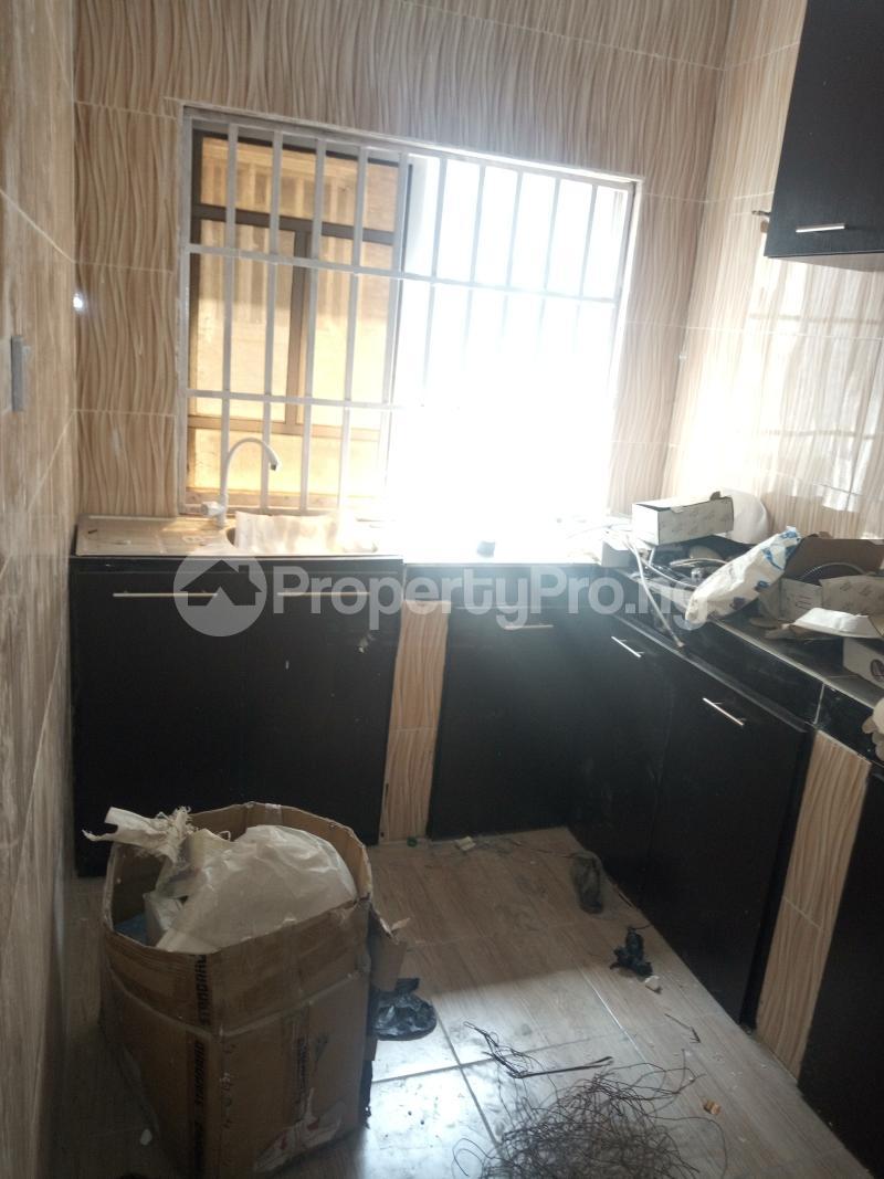 3 bedroom Flat / Apartment for rent DOWN  OLUFEMI BY OGUNLAUNA DRIVE , SURULERE Ogunlana Surulere Lagos - 9