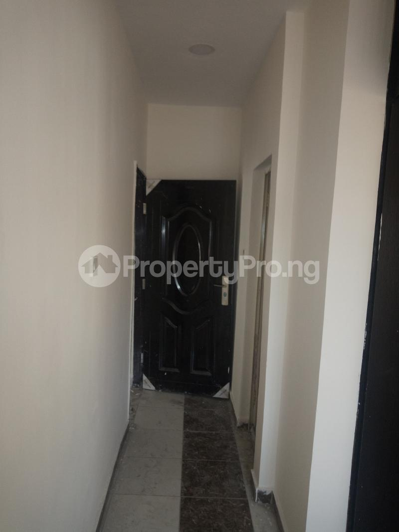 3 bedroom Flat / Apartment for rent DOWN  OLUFEMI BY OGUNLAUNA DRIVE , SURULERE Ogunlana Surulere Lagos - 18