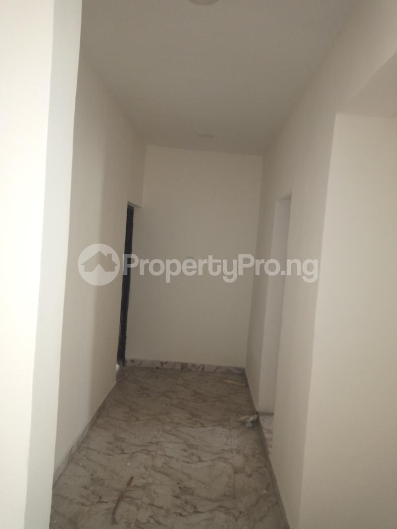 3 bedroom Flat / Apartment for rent DOWN  OLUFEMI BY OGUNLAUNA DRIVE , SURULERE Ogunlana Surulere Lagos - 7