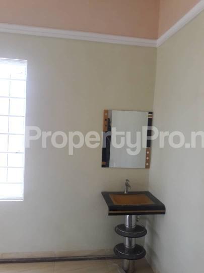 3 bedroom Bungalow for sale New GRA Transekulu Enugu state. Enugu East Enugu - 24
