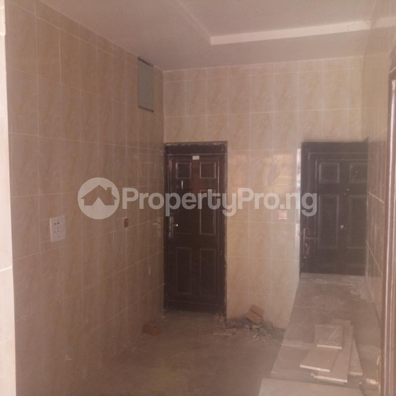 3 bedroom Flat / Apartment for rent Cole Street Lawanson Surulere Lagos - 5