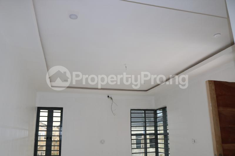 4 bedroom Semi Detached Duplex House for sale Chevron Lekki Phase 2 Lekki Lagos - 18