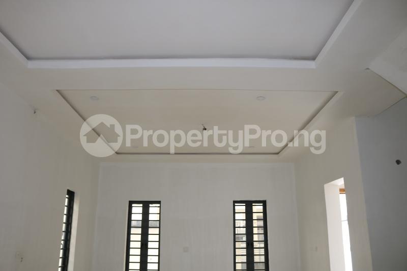 4 bedroom Semi Detached Duplex House for sale Chevron Lekki Phase 2 Lekki Lagos - 4