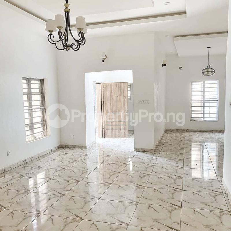 4 bedroom Semi Detached Duplex House for sale Jakande Lekki Lagos - 5