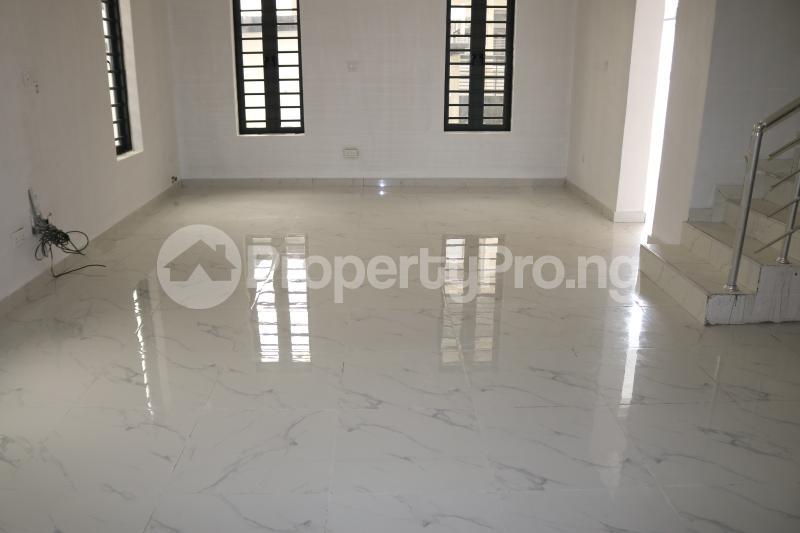 4 bedroom Semi Detached Duplex House for sale Chevron Lekki Phase 2 Lekki Lagos - 3