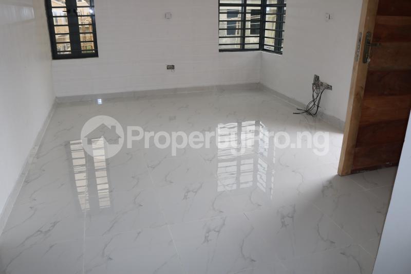 4 bedroom Semi Detached Duplex House for sale Chevron Lekki Phase 2 Lekki Lagos - 17