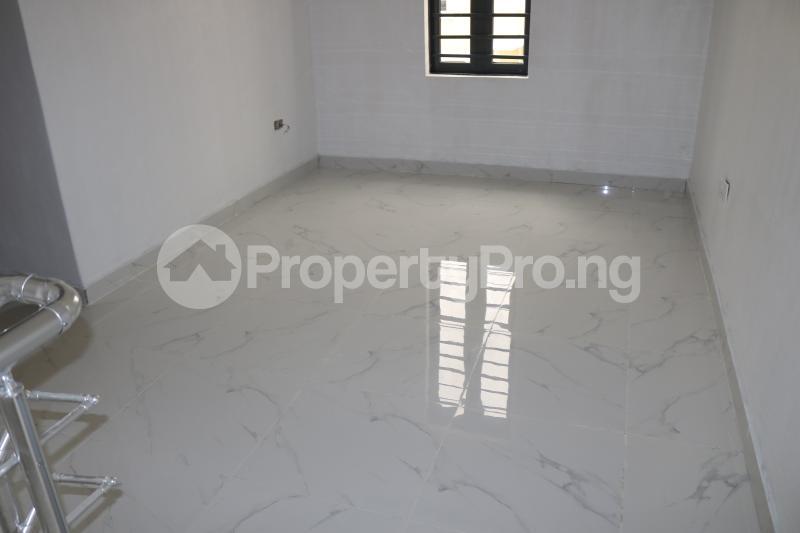 4 bedroom Semi Detached Duplex House for sale Chevron Lekki Phase 2 Lekki Lagos - 15