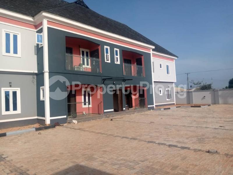 3 bedroom Blocks of Flats for rent Evbukhu Road Off Sapele Road, Close To Rock Of Ages Christian Church Oredo Edo - 0