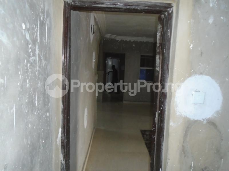 3 bedroom Blocks of Flats House for rent secure close at mangoro Mangoro Ikeja Lagos - 0