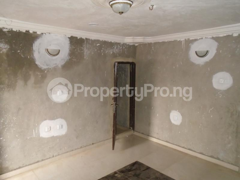 3 bedroom Blocks of Flats House for rent secure close at mangoro Mangoro Ikeja Lagos - 2