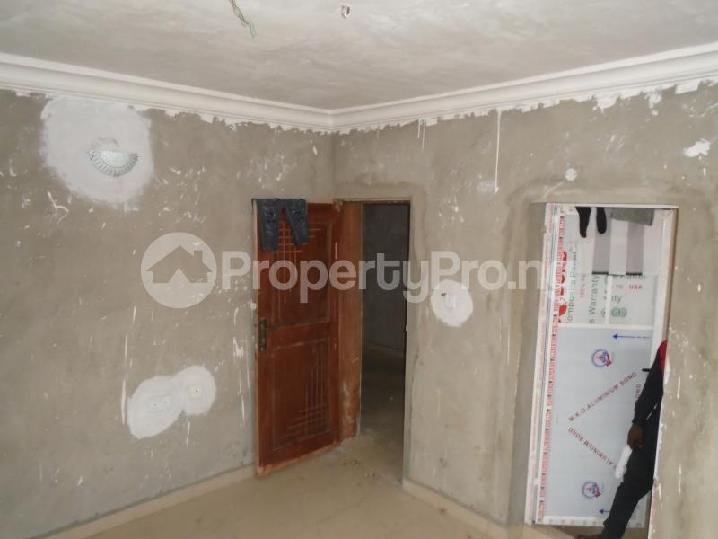 3 bedroom Blocks of Flats House for rent secure close at mangoro Mangoro Ikeja Lagos - 15