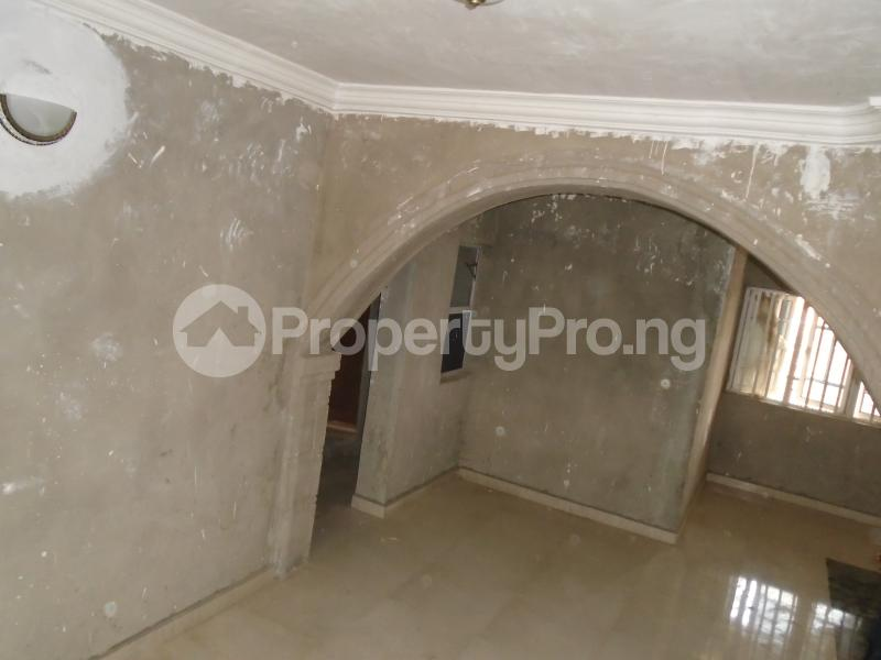 3 bedroom Blocks of Flats House for rent secure close at mangoro Mangoro Ikeja Lagos - 5