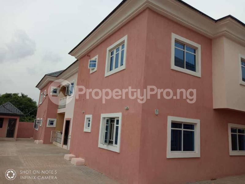 3 bedroom Flat / Apartment for sale Transekulu by dental school Enugu state. Enugu East Enugu - 0