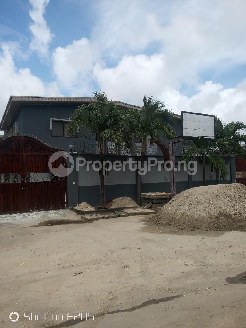 5 bedroom Flat / Apartment for rent Apple estate Amuwo Odofin Lagos - 0
