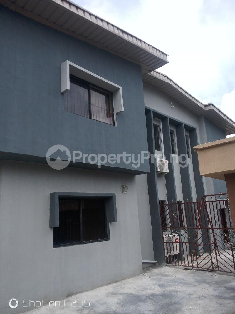 5 bedroom Flat / Apartment for rent Apple estate Amuwo Odofin Lagos - 1