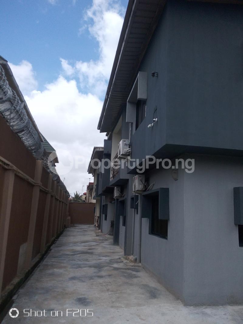 5 bedroom Flat / Apartment for rent Apple estate Amuwo Odofin Lagos - 2