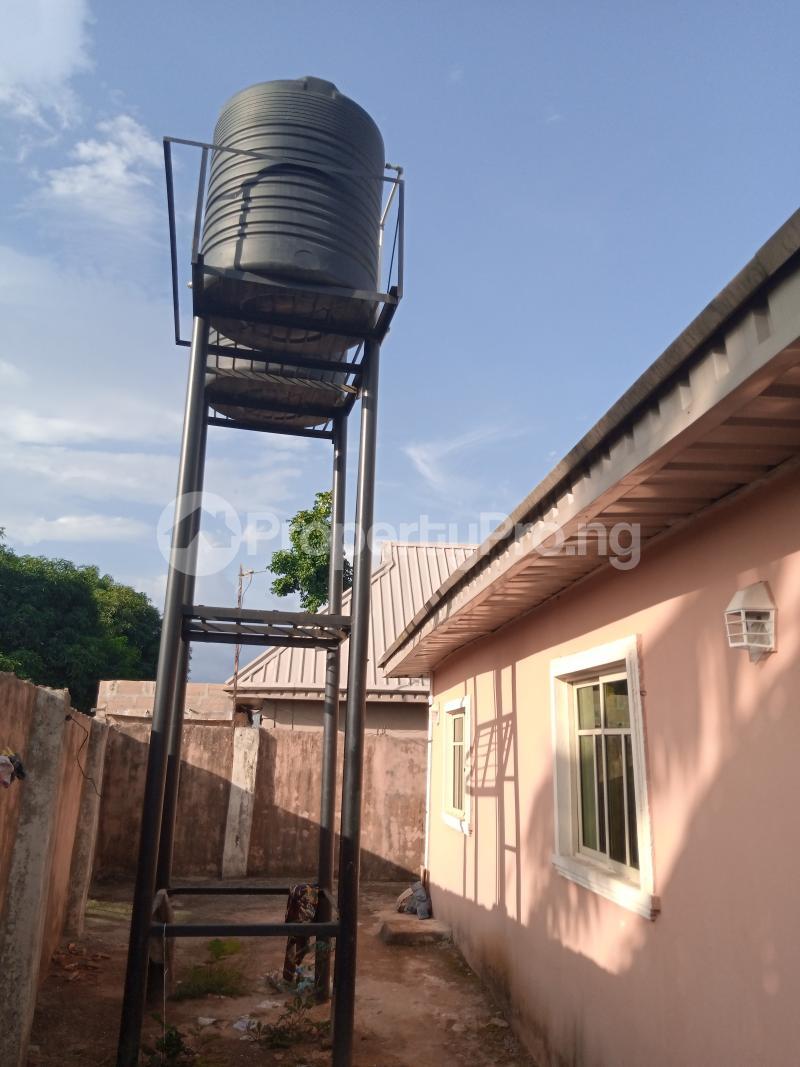 Blocks of Flats House for sale Upper Ekenwan road,  Ugbiyoku  Oredo Edo - 7