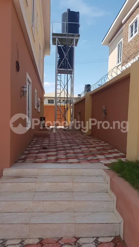 5 bedroom Duplex for sale Fidelity estate phase2 GRA Enugu state. Enugu East Enugu - 10