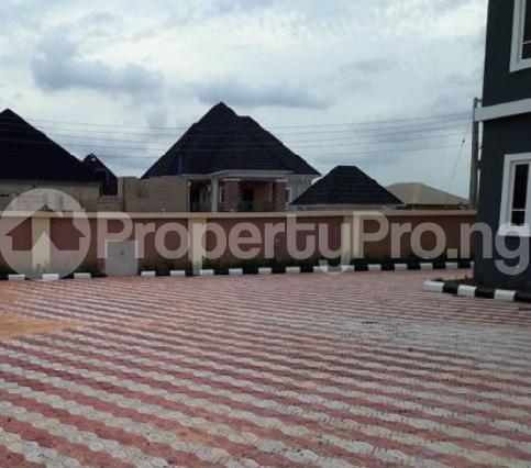 5 bedroom Duplex for sale Fidelity estate phase2 GRA Enugu state. Enugu East Enugu - 2