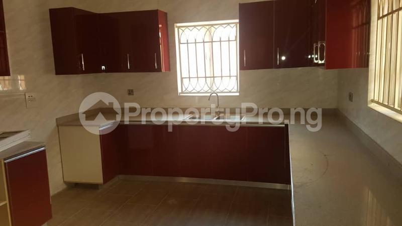 5 bedroom Duplex for sale Fidelity estate phase2 GRA Enugu state. Enugu East Enugu - 18