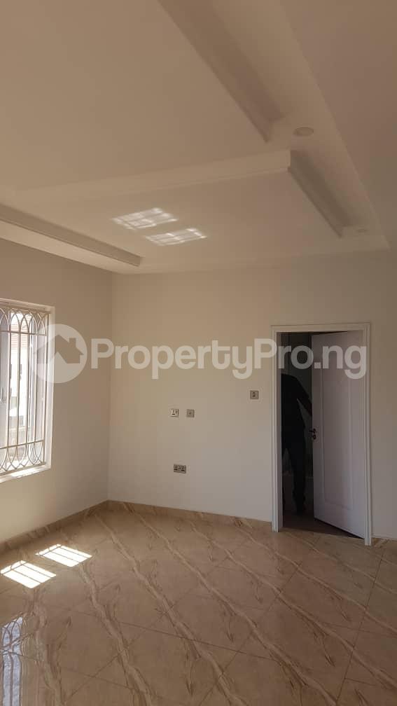 5 bedroom Duplex for sale Fidelity estate phase2 GRA Enugu state. Enugu East Enugu - 17