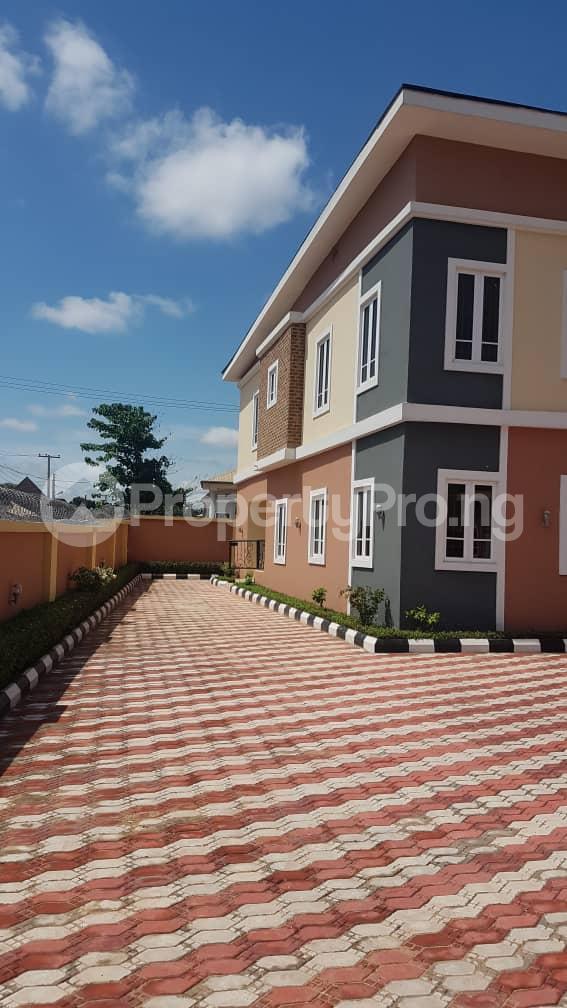 5 bedroom Duplex for sale Fidelity estate phase2 GRA Enugu state. Enugu East Enugu - 4