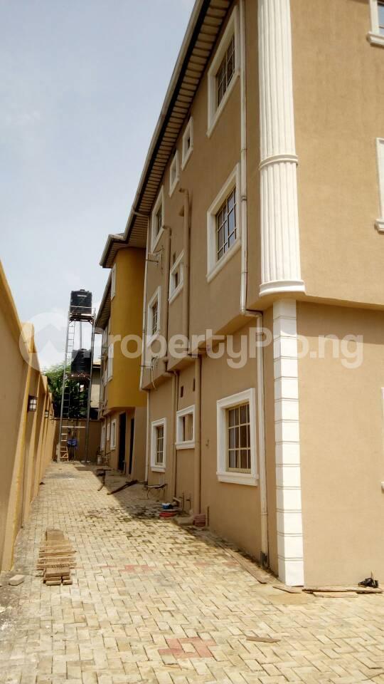6 bedroom Blocks of Flats for sale Eyita Ikorodu Ikorodu Lagos - 15