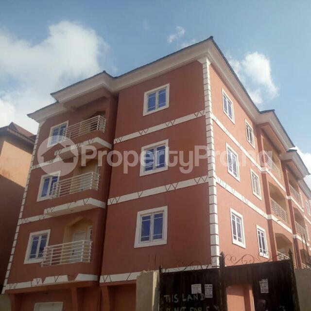 3 bedroom Block of Flat for sale @ Agbani road Enugu state. Enugu South Enugu - 0