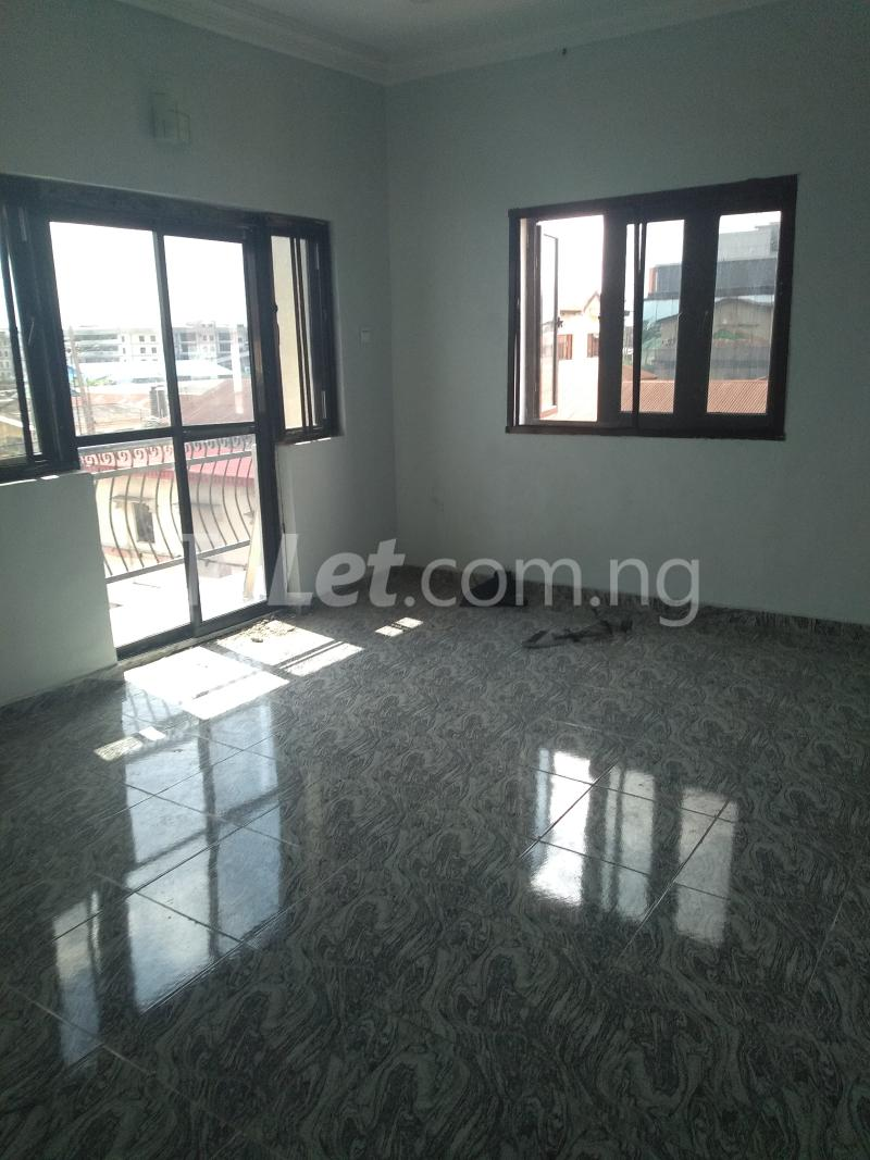 3 bedroom Flat / Apartment for sale Sabo Sabo Yaba Lagos - 2