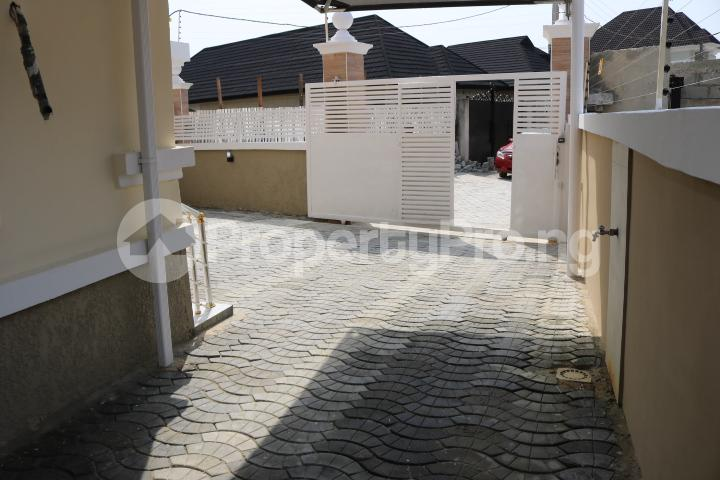 4 bedroom Semi Detached Duplex House for sale Thomas Estate Thomas estate Ajah Lagos - 5